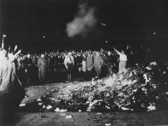 Quema de libros por parte de los nazis