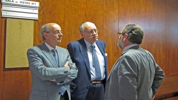 Luis Alberto Samaniego, el primero por la izquierda.