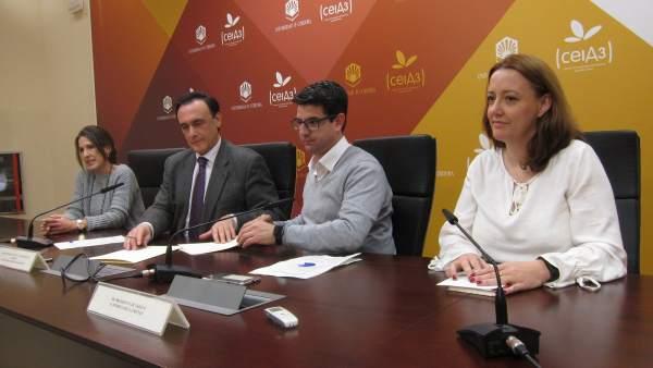 Firma del convenio entre Sadeco y la UCO