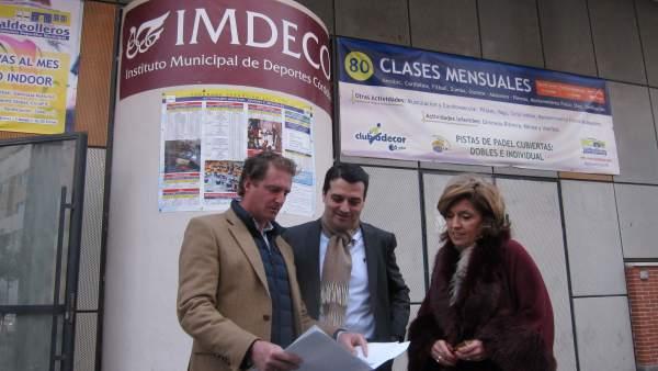 José María Bellido con María Jesús Botella y José Luis Moreno