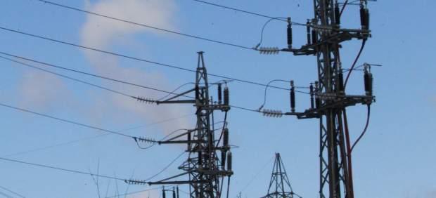 España y Portugal estudiarán reformas del mercado eléctrico para paliar la subida del precio de ...