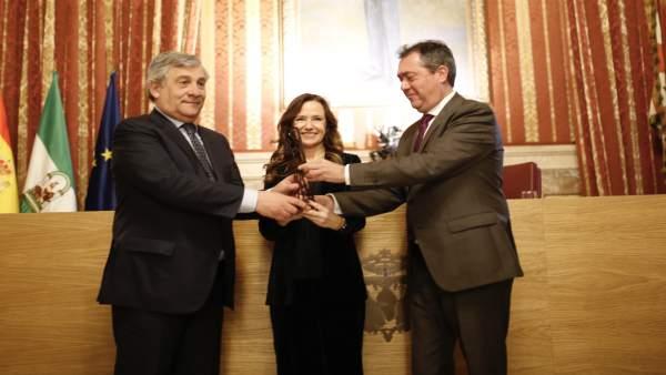 Entrega del Premio de la Fundación Jiménez Becerril a Antonio Tajani