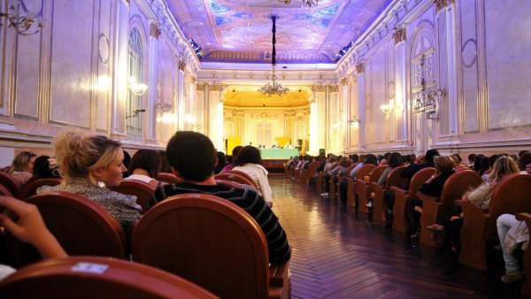 Sala MAría Cristina Unicaja Cultura lectura versos ciclo poemas poetas