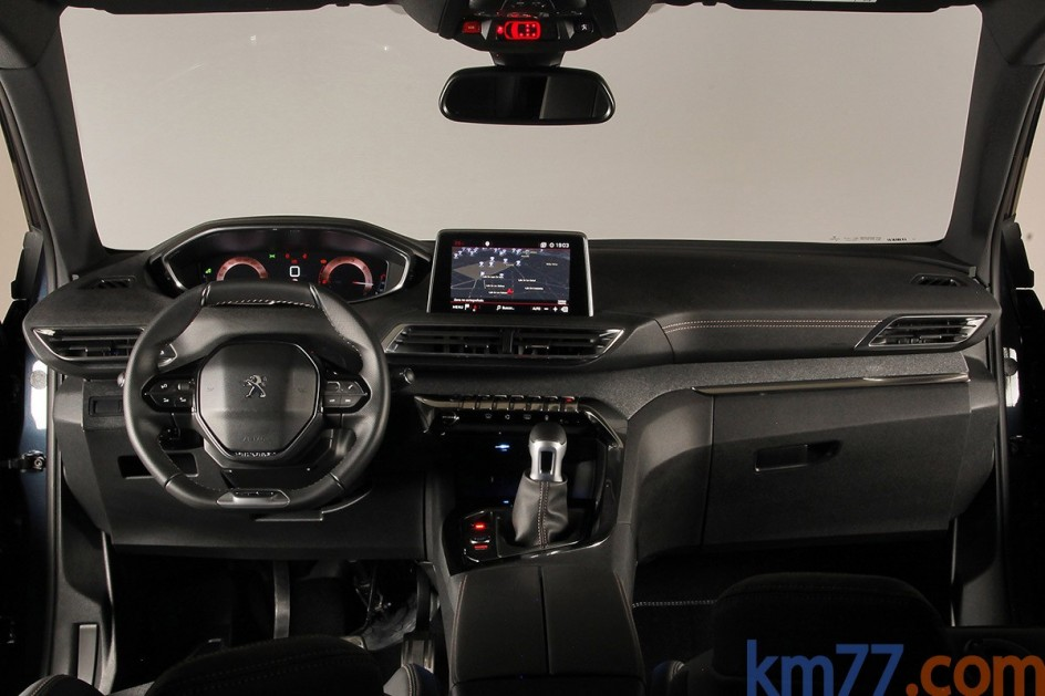 Detalle de los asientos delanteros del Peugeot 5008