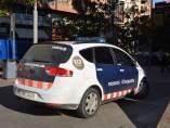 Un coche de los Mossos d'Esquadra aparcado.