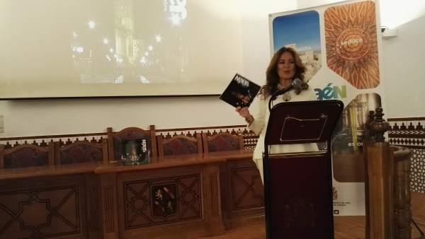 La concejala de Turismo de Jaén presenta la nueva guía ECA.