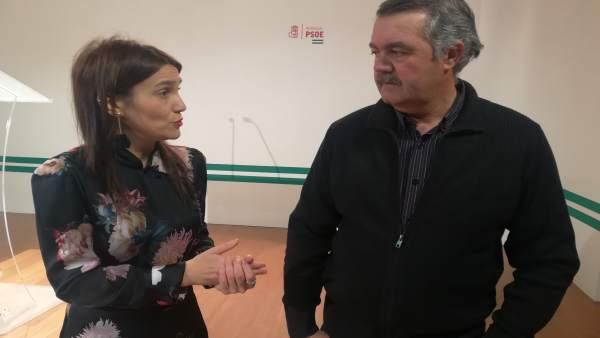 Olga Manzano denuncia en rueda de prensa un caso de transfuguismo en Albuñuelas
