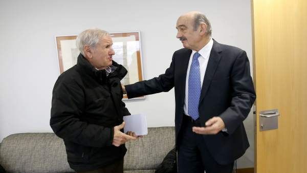 Mazón con el alcalde de Herrerías