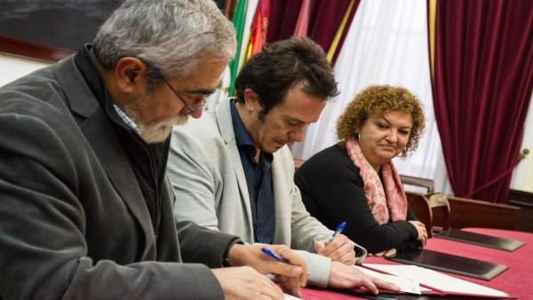 Np + Foto Convenio Ayuntamiento Y Colegio Oficial De Veterinarios
