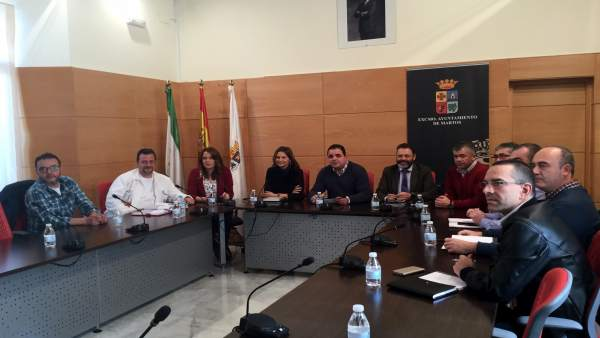 Reunión con representantes sindicales de Valeo.