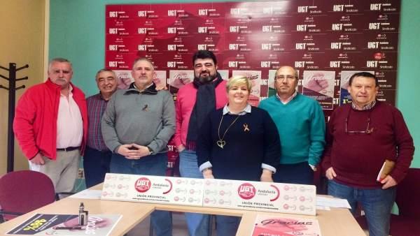 Palomares (centro), con otros responsables de UGT-Córdoba