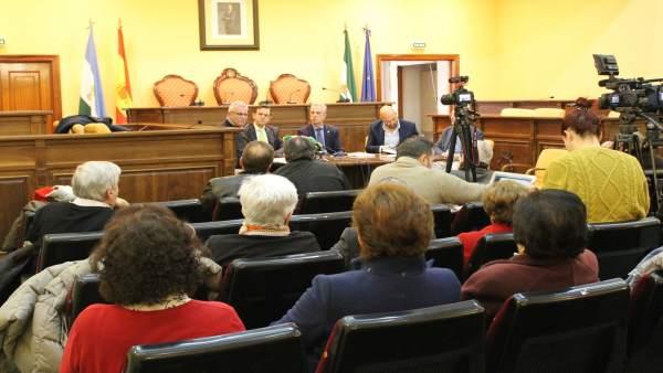 Presentación del informe en el Ayuntamiento de Lucena
