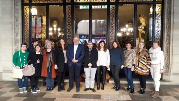 Foto de grupo antes de la reunión