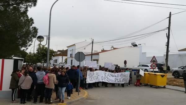 Imagen de la manifestación en Fuentes de Andalucía