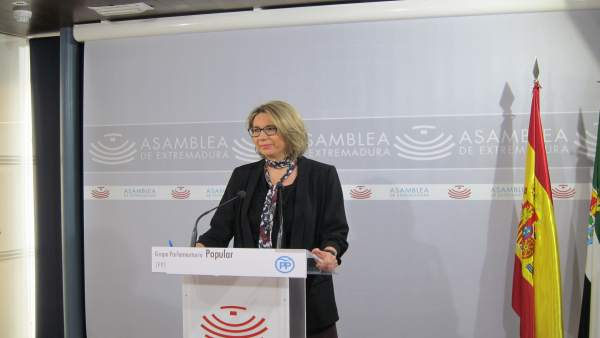 Portavoz del Grupo Parlamentario Popular, Cristina Teniente