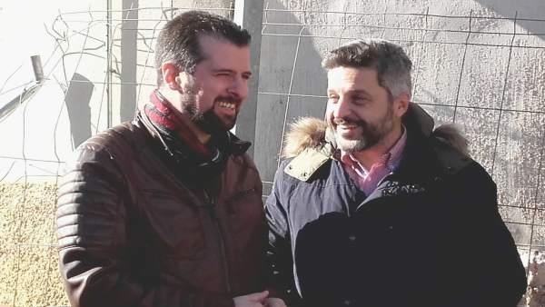 Luis Tudanca conversa con el diputado provincial Julio del Valle