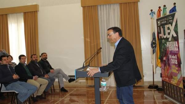 Adjuntamos Nota De Prensa Y Fotos De Hoy, 31 De Enero, Presentación Huelva Extre