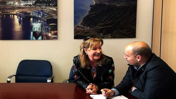 Reunión de Alfonso Cabello con Carmen Martínez