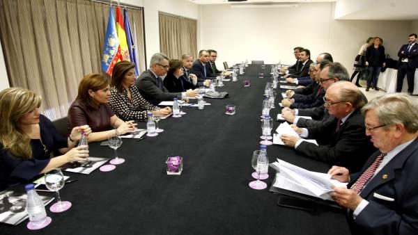 Santamaría junto a empresarios valencianos