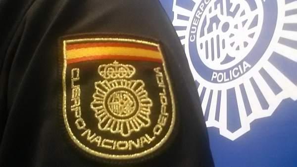 Nota De Prensa: La Policía Nacional Detiene A Una Pareja Por El Atraco A Un Esta