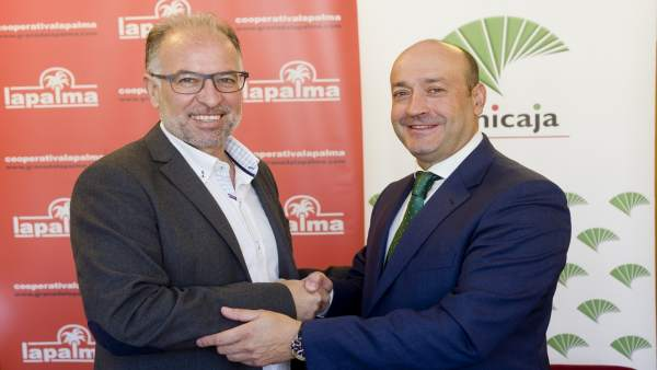 Unicaja Banco y la sociedad cooperativa Granada La Palma renuevan colaboración