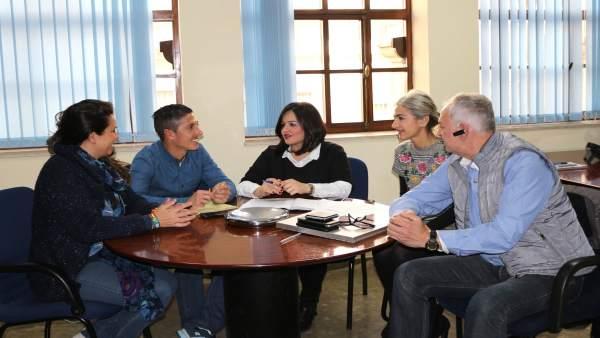 Reunión de Virginia Pérez con representantes de Jusapol