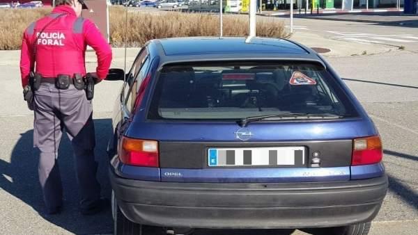 Vehículo inmovilizado en Viana