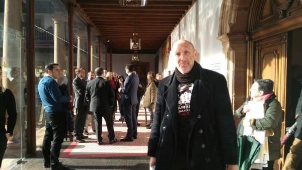 Marco Antuña interrumpe acto Asturias en Fitur