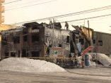 Edificio destruido por el fuego
