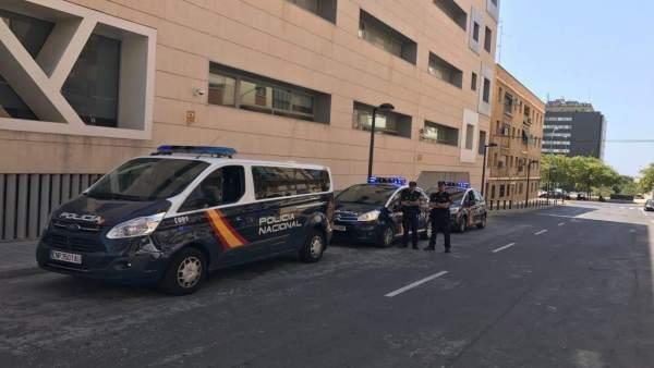 Dos unidades de la Policía