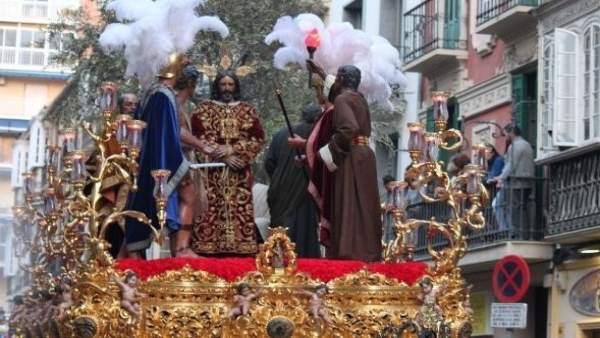 Procesión trono Nuestro Padre Jesús del Rescate Semana Santa Turismo