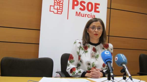 La portavoz PSOE de Murcia, Susana Hernandez en rueda de prensa
