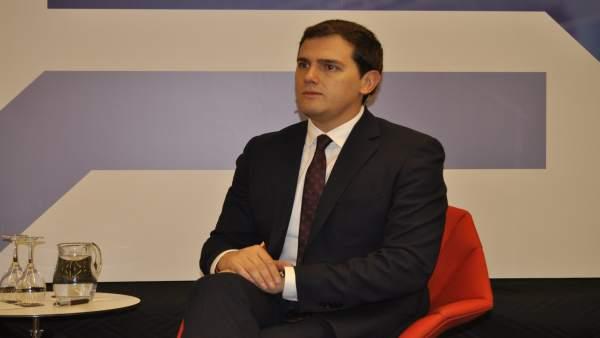 El presidente de Cs, Albert Rivera, en los Desayunos de Heraldo de Aragón.
