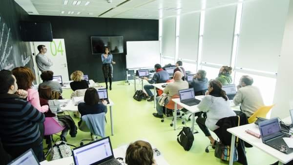Los técnicos de los Centros Guadalinfo comienzan su formación en robotica.