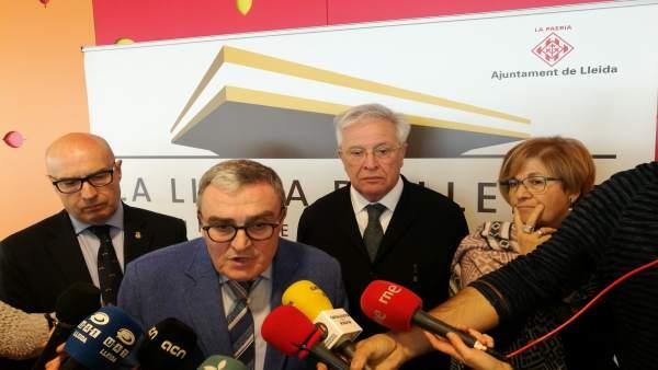 Rafel Peris, Àngel Ros, Joan Clos y Montse Parra