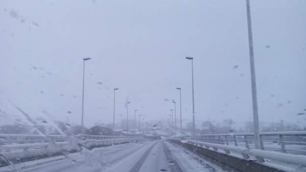 Carretera de Cantabria nevada