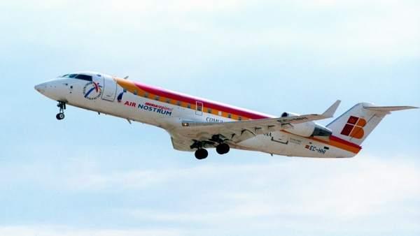 Treball estén acta d'infracció a Air Nostrum per no respectar els descansos mínims dels seus tècnics de manteniment