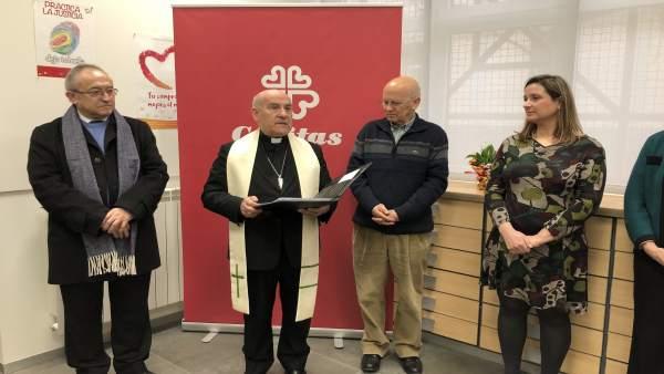 El arzobispo bendice el Centro San Nicolás de Cáritas Zaragoza