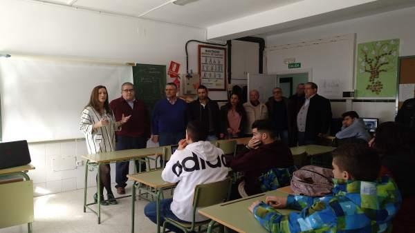 VIsita de la delegada de Educación, Remedios Palma, a Chiclana