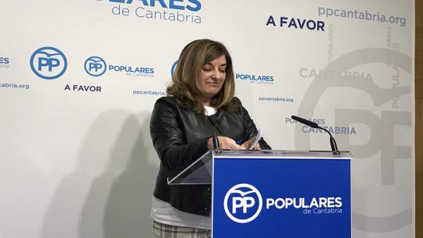 Sáenz de Buruaga en rueda de prensa