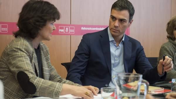 Carmen Calvo y Pedro Sánchez, secretaria de Igualdad y secretario general del PSOE, respectivamente.