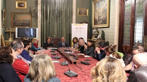 Reunión del Ayuntamiento de Sevilla con comerciantes