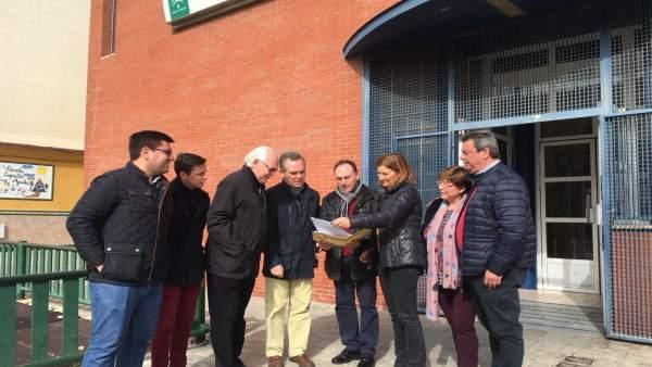 Miembros del PP visitan un centro sanitario