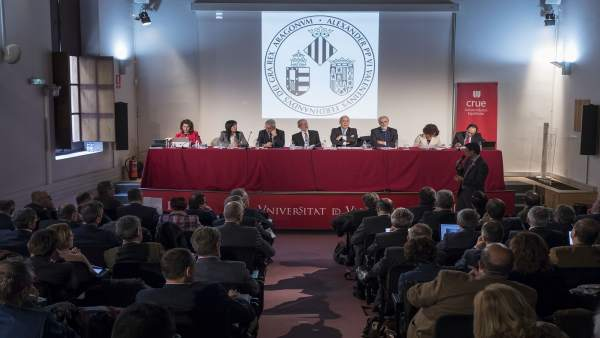 """La CRUE reclama un Pacte d'Estat davant la """"situació d'urgència de la vida universitària"""""""