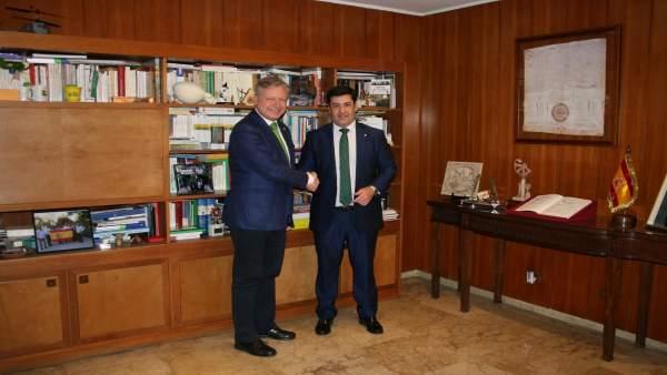 Primo Jurado (izda.) y León, durante la reunión