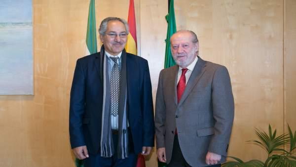 Villalobos con Bulai Mohamed Fadel