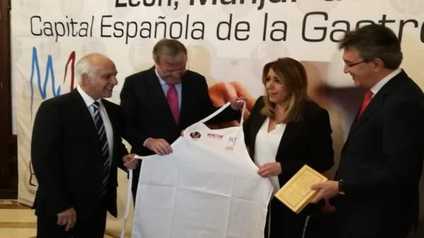 La presidenta de la Junta, Susana Díaz, con Antonio Silván y Juan Martínez Majo