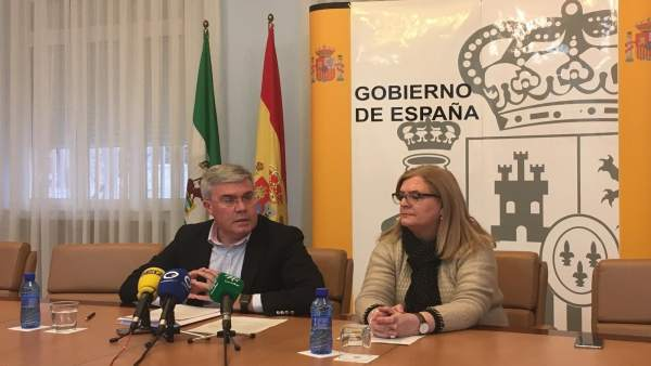 Fernández de Moya, junto a Molina, en la comparecencia.