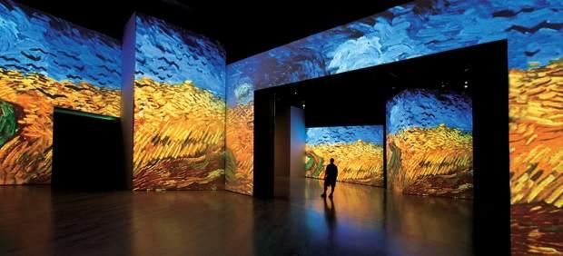 'Van Gogh Alive' es un experiencia multisensorial que introduce al visitante en la obra del pintor holandés de una manera nunca vista