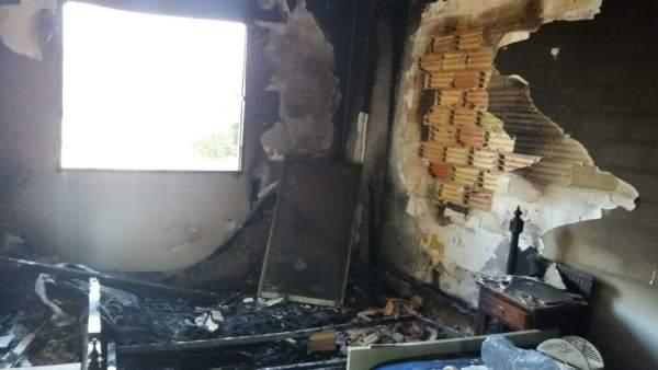 El incendio ha calcinado la habitación